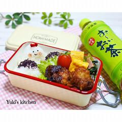 お弁当箱 1段 麺 丼 ミコノス タイトランチ1段   mykonos(弁当箱)を使ったクチコミ「・ 今日のおべん𐂐.·˖* ・ 顔おにぎ…」