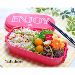 旦那弁当/夫弁当/lunchtime/lunchbox/lunch/炊き込みご飯/... ・ 今日のおべん𐂐.·˖* ・ 朝から蝉…