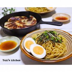 焼きそば/ギョーザ/餃子/ニトスキ/器で食卓が変わる/器好き/... * お夕食 𐂐.·˖* * ❋ 油そば風…