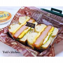 lunch/ランチボックス/ハムカツ/ベーグルサンド/ベーグル/サンドイッチ/... ・ 今日のおべん𐂐.·˖* ・ ベーグル…