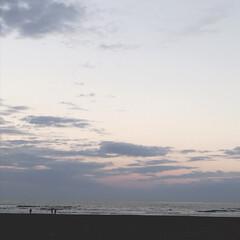 夕焼け/夕焼け雲/夕暮れ/海/海辺/お散歩/... 秋の海も好き。よく近くの海までドライブし…