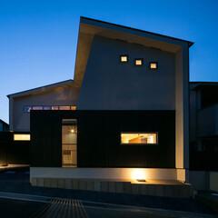 全景/夜景/外観 新しい家に新しい光が灯りました。  時代…