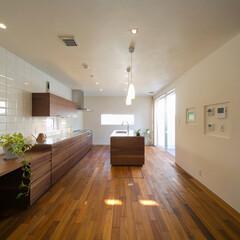 アイランド/カウンター/ダブルI型キッチン/I型キッチン/光/全館空調 アイランドとカウンターのダブルI型のキッ…