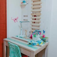 100均/ダイソー/セリア/DIY/子供部屋/子供部屋女の子/... ロフトベッドを解体した廃材で作ったデスク…