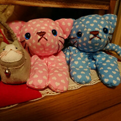 猫ちゃん/フリーマーケット 右の猫ちゃんは、去年のフリマでGET。。…