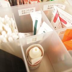 抗菌綿棒(綿棒)を使ったクチコミ「リビング棚の引き出し内の収納アップ こん…」