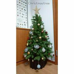 玄関/スタジオクリップ/クリスマスインテリア/クリスマスツリー/クリスマス/100均/... クリスマスツリーこどもたちと飾り付け🎄😋