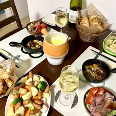ワイン/オープンオムレツ/チーズフォンデュ/アヒージョ/おうち飲み/おうちごはん/... 🍷GWおうち飲み②🍷  昨夜は、🧀チーズ…
