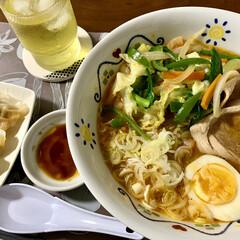 晩ご飯/ミルクプリン/デザート/餃子/ラーメン/おうちごはん 🍜昨日の晩ご飯🥟  野菜たっぷり味噌ラー…
