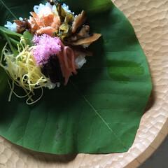 石の上にも三年/美味しい/朴葉/朴葉寿司/郷土料理/季節/... 朴葉寿司 この季節ならではの田舎のお楽し…
