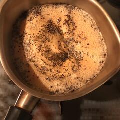 美味しいもの/チャイ/フード/キッチン/わたしのお気に入り チャイを作っている時の泡がモコモコしてく…