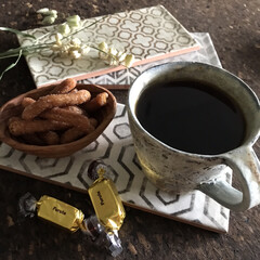 輸入タイル/タイル/かりんとう/コーヒータイム/雑貨/暮らし/... おやつのようなおひる コーヒー、チョコレ…