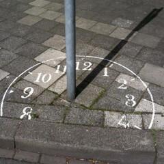 時計/自然/日常のふとしたこと/おでかけ/おでかけワンショット 時を刻む道具? (風景)その4  日時計…
