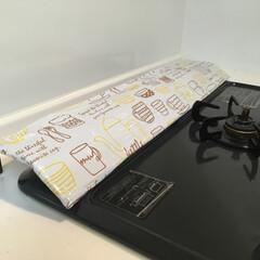キッチンDIY/排気口カバー/アイアン/インテリアアイアンウォールバー/インテリアアイアンウォールバーダブル/いいねTop10決定戦/... お掃除が大変なコンロの排気口カバーのご紹…
