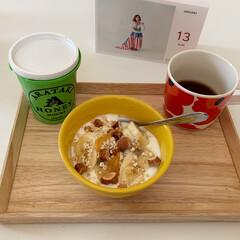 朝ごはん/ヨーグルト/おうちカフェ/ダイエット/週末レシピ/フォロー大歓迎/... お正月太りが深刻 🍯  週末の朝ごはんで…