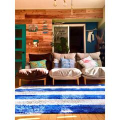 流木/ソファ/無印良品/ボーダー/板壁DIY/ターコイズブルー/... お久しぶりの光景 我が家といえば このボ…