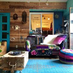 板壁DIY/ターコイズブルー/プフ/エキゾチック/モロッカン/チャイハネのラグ/... ソファを配置替え