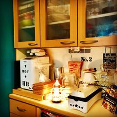 ホームベーカリー/マンションインテリア/くらしのeショップ/セルフリノベーション/ターコイズブルー/食器棚/... 山善スリムホットプレート モニターさせて…