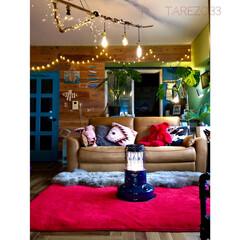 床DIY/ヘリンボーン床/リメイク/流木/ハンドメイド/板壁DIY/... バレンタイン仕様 赤いラグに変えました …