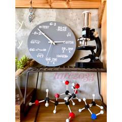 躯体現し/コンクリート壁/顕微鏡/分子構造模型/ハンドメイド/ビーズキーホルダー/... サリュで見つけた時計 我が家のリケジョが…