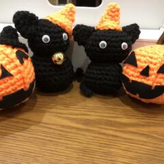猫/ハロウィン/あみぐるみ/100均deハロウィン ハロウィンに向けて黒とオレンジのアクリル…