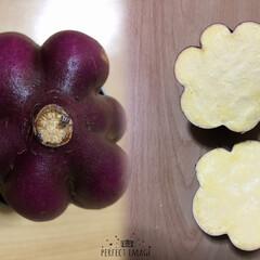 食材/おうちごはん 箱買いした、さつまいもの中に、お花の形の…