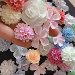 お花大きめ/樹脂粘土/お花パーツ/ハンドメイド/ダイソー/わたしの手作り お花いっぱ~い🌸🌼🌺😊💕  大きめパーツ…(2枚目)