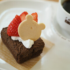 チョコレートケーキ/ビスケット/いちご/甘い/スイーツ/甘党大集合 おやつの時間〜☕