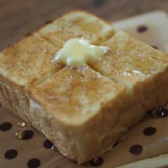 モーニング/イチゴジャム/バター/蜂蜜/パン HONEYTOAST🍯🍞