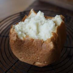 幸せ/HB/焼き立て/食パン/蜂蜜/暮らし 蜂蜜食パン🍯 焼き上がりをちぎって食べる…