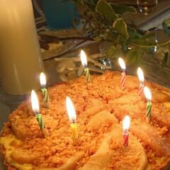 手作りおやつ/簡単おやつ/簡単レシピ/Mitsuki's  Nasse/手作りケーキ/バースデーケーキ/... 桃のコンポートをのせた、桃のタルトを作っ…