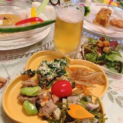 春コーデ/テーブル/お惣菜/春/テーブルコーディネート/Mitsuki's Nasse/... 野菜中心のメニューをイケアの花柄プレート…