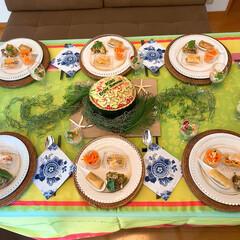 食卓を囲む/食卓を彩る/食卓/テーブルコーディネート/夏コーディネート/ホームパーティー/... 夏のホームパーティーのテーブルコーディネ…(2枚目)