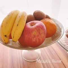 わたしのキッチン道具/キッチンと暮らす。/果物入れ/果物/フルーツ/おうちパン/... 私のキッチンの片隅には、ケーキスタンドと…(3枚目)