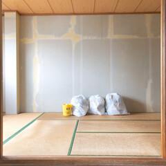 漆喰/ジョイントマット/パレットベッド/寝室/和室/和室リフォーム/... 和室のリノベーションをしました。 2枚目…(2枚目)