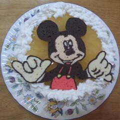 ディズニー/ミッキーマウス/キャラケーキ/誕生日ケーキ/DIY ミッキーマウスです。下の黄色は洋梨のゼリ…