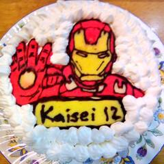 アイアンマン/キャラケーキ/誕生日ケーキ アイアンマン 父の趣味で勝手に決定 盛り…