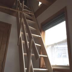 ロフト階段/DIY ロフト階段を取り付け ロフトの床はネダレ…