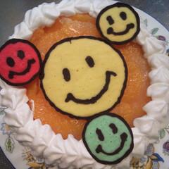 スマイルマーク/キャラケーキ/誕生日ケーキ/DIY これはちょっと手抜き? 娘の要望でスマイ…