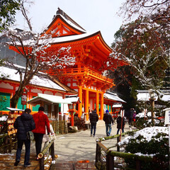 雪/京都/神社/旅行/おでかけワンショット 上賀茂神社に行ってきました^ ^ 雪が残…(1枚目)