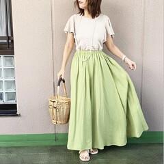 ユニジョ/今日のコーデ/通勤コーデ/ママコーデ/プチプラコーデ/ファッション 若草色のスカートに、UNIQLOのラッフ…