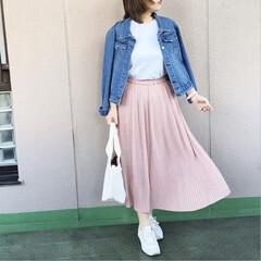 ユニジョ/プチプラコーデ/ファッション/今日のコーデ/ママコーデ/休日コーデ Tシャツにデニジャケ、スニーカーとトート…