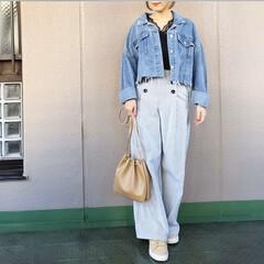 ママコーデ/プチプラコーデ/今日のコーデ/guコーデ/ファッション コンパクトなデニジャケには、ワイドパンツ…(1枚目)