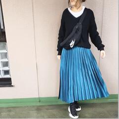 ユニクロコーデ/ママコーデ/プチプラコーデ/今日のコーデ/ファッション お気に入りのメタリックプリーツスカートを…