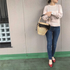 ユニクロコーデ/ママコーデ/プチプラコーデ/今日のコーデ/guコーデ/ファッション UNIQLOの、淡いピンクのニットで大人…(1枚目)