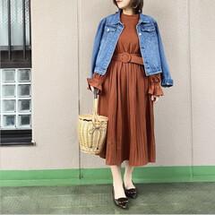 休日コーデ/ママコーデ/今日のコーデ/ファッション/プチプラコーデ/通勤コーデ デザインと色味が可愛いワンピース👗 少し…