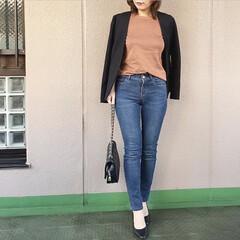 ユニジョ/ファッション/guコーデ/今日のコーデ/プチプラコーデ/ママコーデ 肌寒い時はジャケットの肩がけがこなれ感も…