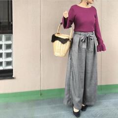 ママコーデ/プチプラコーデ/今日のコーデ/guコーデ/ファッション 鮮やかなパープルのニットは、袖のフリルも…(1枚目)