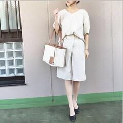 ファッション/今日のコーデ/通勤コーデ/プチプラコーデ/ママコーデ ブラウスとバミューダパンツのセットアップ…