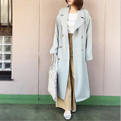 guコーデ/プチプラコーデ/通勤コーデ/今日のコーデ/ママコーデ/ファッション ワイドパンツにとろみトレンチを羽織ったス…